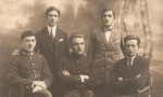 1923 r. - pierwszy z prawej Henryk Dawid (1904-1953) - syn Edwarda - długoletni prezes i dyrygent Towarzystwa Śpiewaczego im. St. Moniuszki - pierwszy z prawej stoi jego brat Aleksander (1899-1930), również był dyrygentem