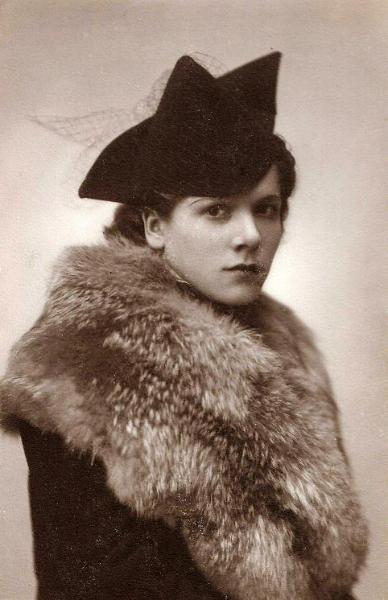 Leokadia Dawid (1909-1975), córka Ludwika Dawida i Władysławy z Klembowskich. Fotografia z kolekcji J. Kaszyńskiego.