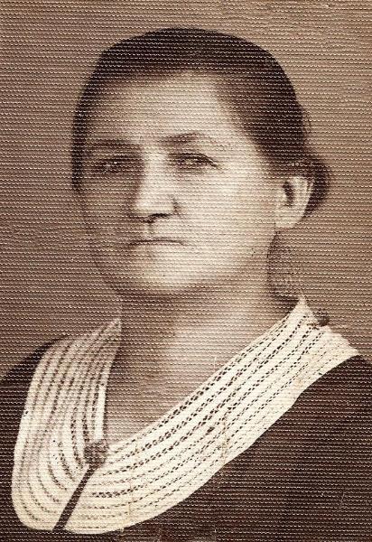 Franciszka (z domu Tatara) Marczyk (1877-1926). Zdjęcie z ok. 1926 r. Fotografia z kolekcji H. Nowakowskiej.
