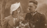 Zdjęcie ślubne Ireny Herszkiewicz (1912-1997) i Stanisława Sankowskiego (1909-1993) nauczyciela historii, założyciela Muzeum Regionalnego w Radomsku, porucznika Wojska Polskiego, żołnierza września 1939 r.  Zdjęcie z 1937 r. Fotografia z kolekcji S. Sankowskiego.