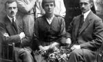 Z przodu od lewej: Roman Spychało,?, ?, z tyłu od lewej: Wacława (z d.Scharf) Spychało, Felicja (z d.Scharf) Kącka, ?. Zdjęcie z ok. 1919 r. Fotografia z kolekcji A. Spychało.