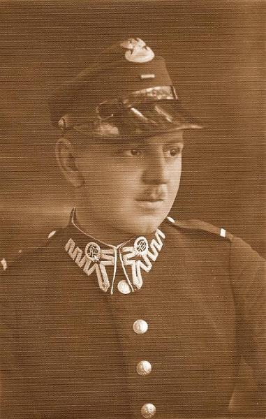 Stanisław Sankowski (1909-1993), nauczyciel historii, założyciel Muzeum Regionalnego w Radomsku, porucznik Wojska Polskiego, żołnierz września 1939 r. Fotografia z kolekcji S. Sankowskiego.